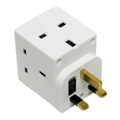 DFE 028020, Three Way 13amp Plug Adaptor